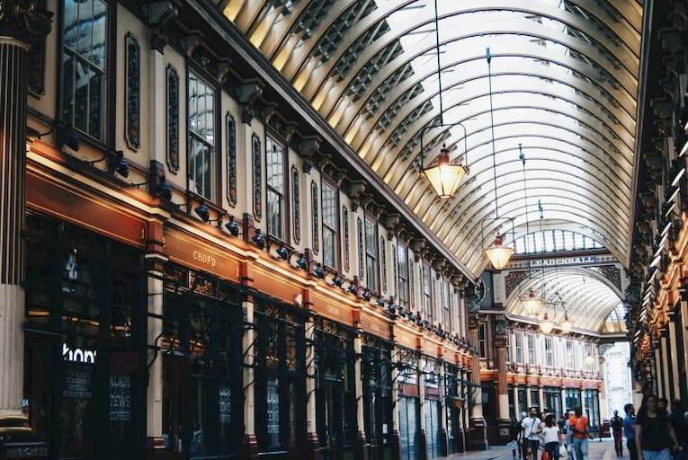 Mercado cubierto de estilo victoriano en Londres