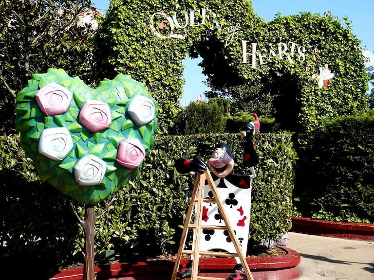 Las cartas del jardín de Alicia en Disneyland