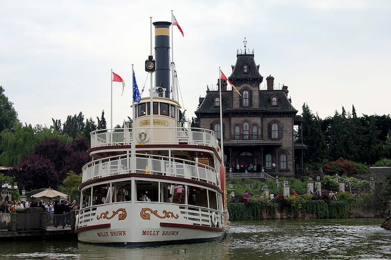 El barco de vapor de época.
