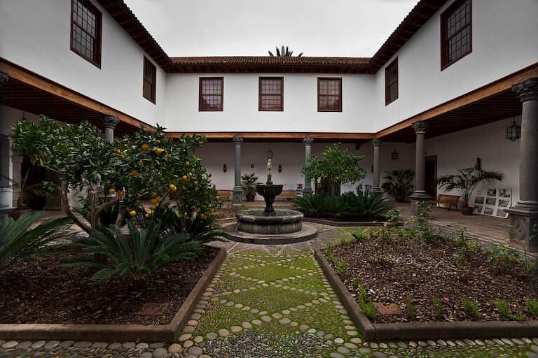 El patio interior de la Casa Salazar.