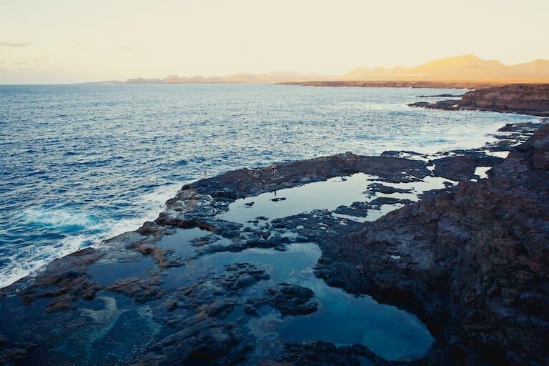 Los Charcones o piscinas naturales de Lanzarote.