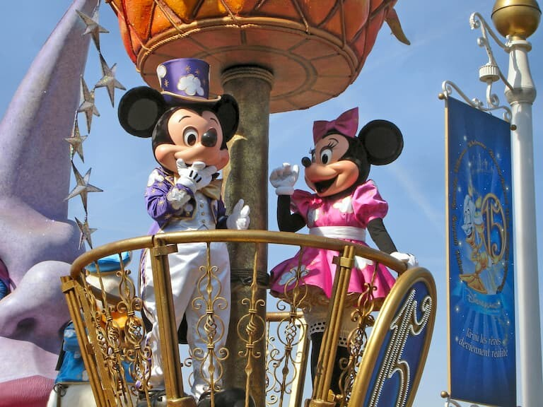 Mickey y Minnie en Disneyland París.
