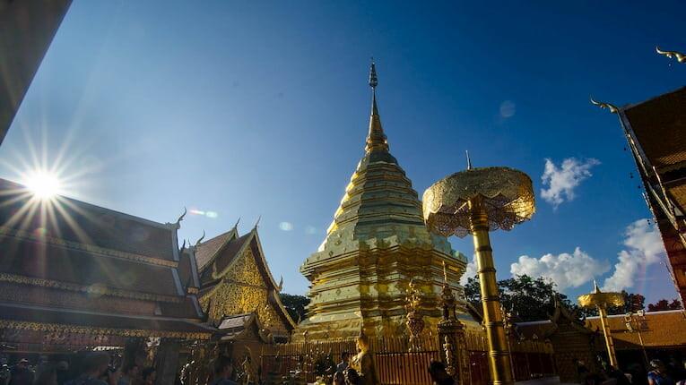 La pagoda dorada del templo Doi Suthep en Chiang Mai