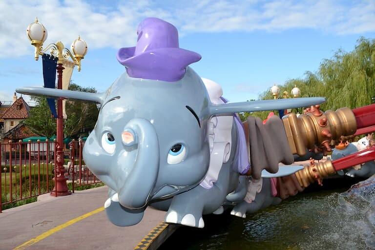 La atracción de Dumbo en Fantasyland.
