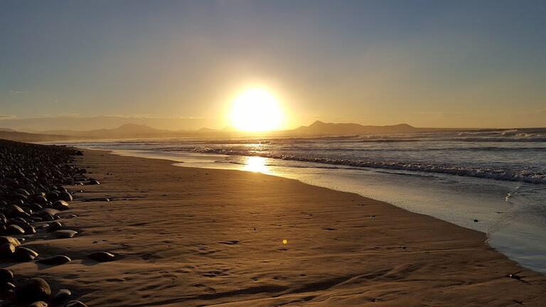 Puesta de sol en la Playa de Famara