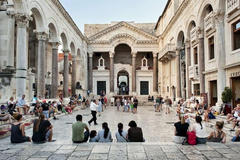 El interior del Palacio de Diocleciano
