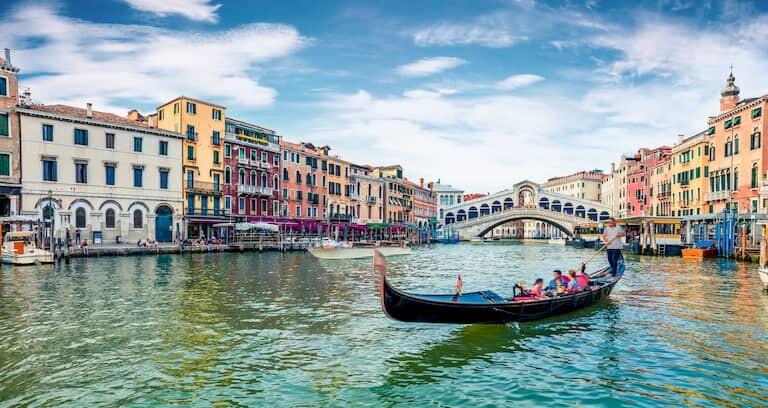 Un paseo en góndola por el Gran Canal de Venecia