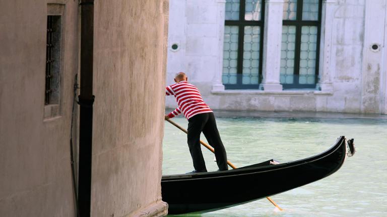 Gondolero en Venecia.