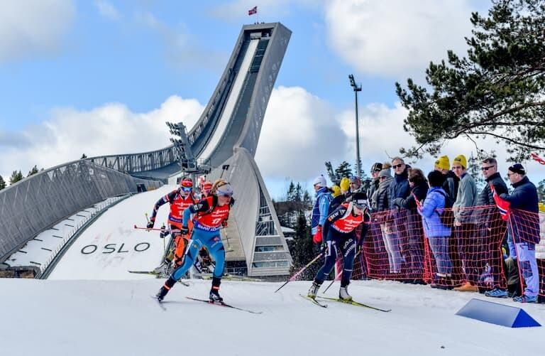 Trampolín de saltos de esquíHolmenkollen en Oslo