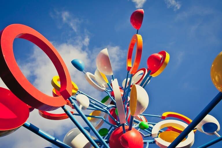 Escultura Juguetes del Viento de César Manrique