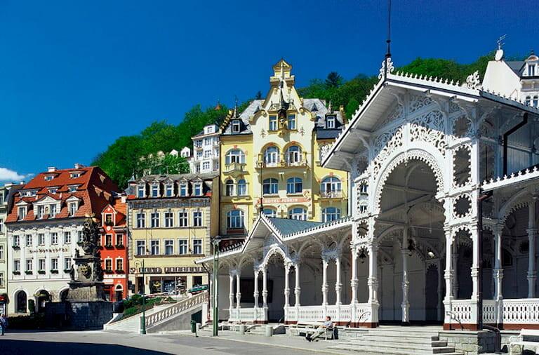 Edificios coloridos de Karlovy Vary