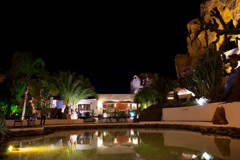El bar - restaurante de la Casa - Museo Lagomar.