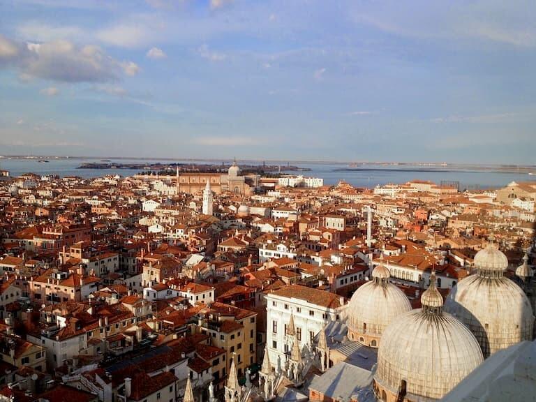 Venecia a tus pies desde lo alto del Campanile de Venecia