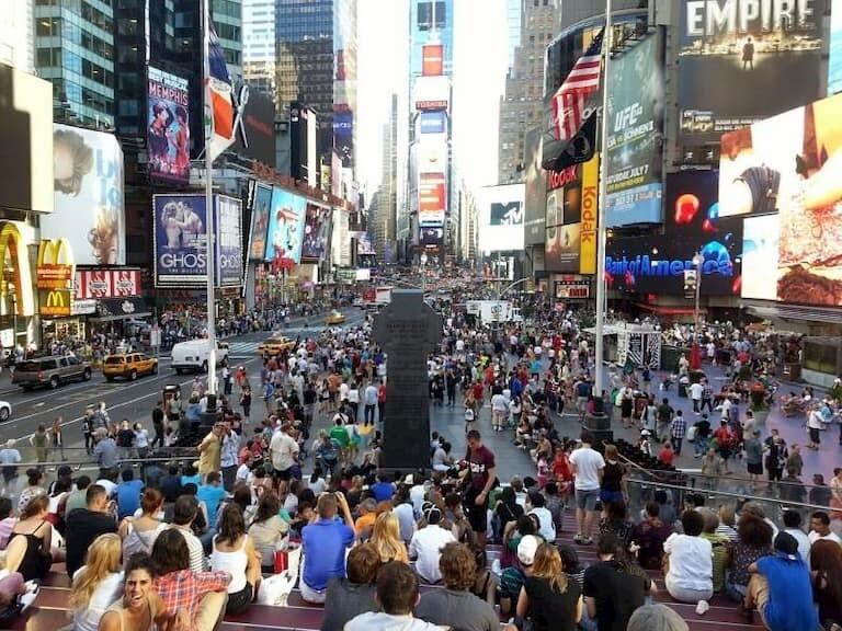 Times Square lleno de gente