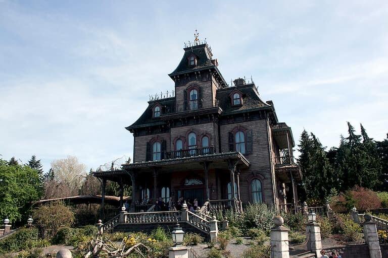 La mansión encantada en Disneyland Paris.