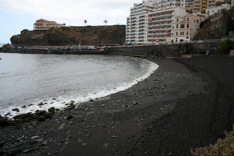 Playa de San Marcos en Icod de los Vinos.