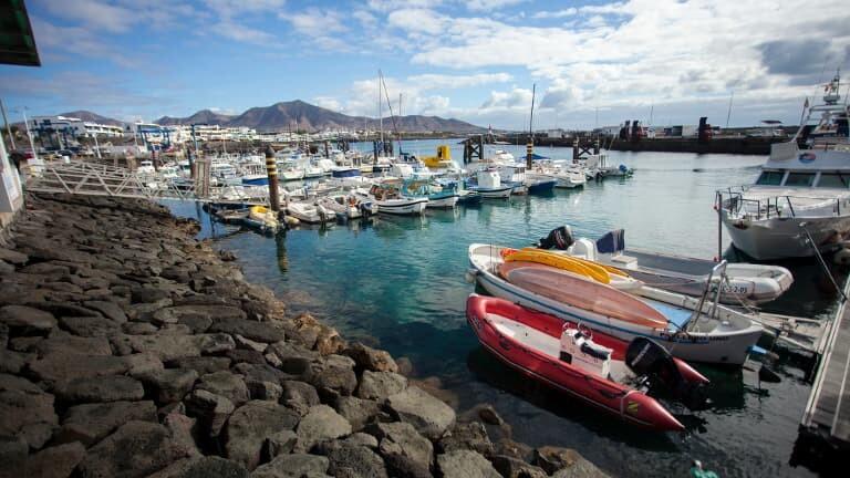 Puerto deportivo de Playa Blanca.