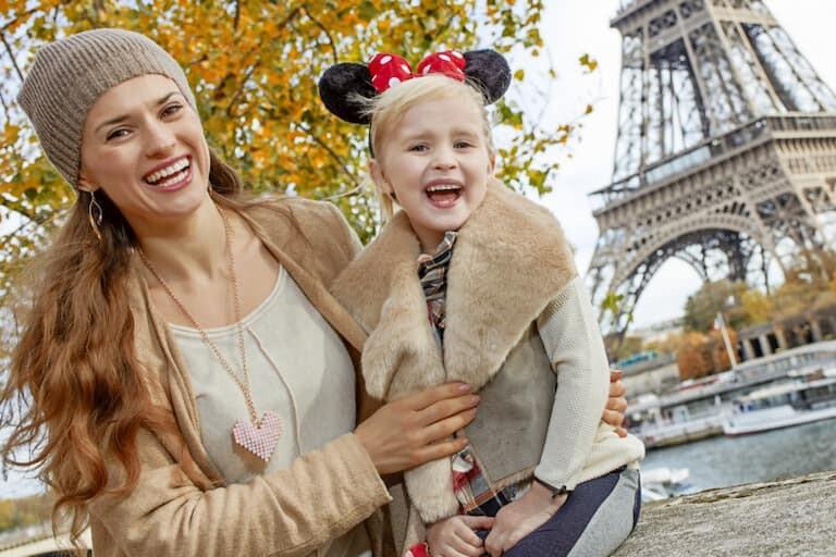 Madre e hija en París