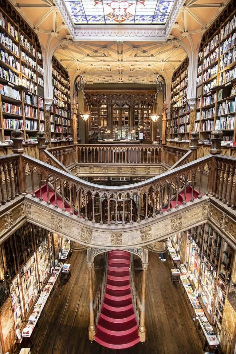 El interior de la Librería Lello