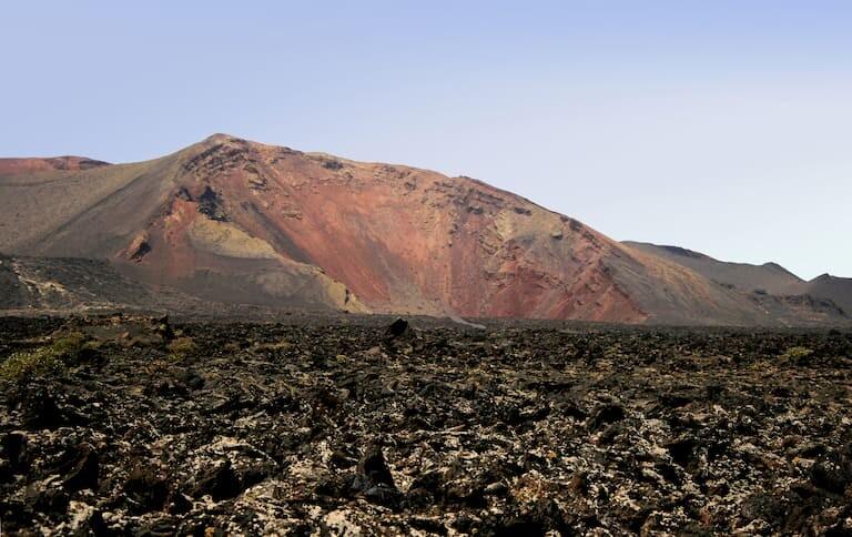 Senderismo por el Parque Natural de los Volcanes.