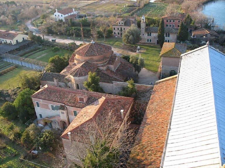 El Campanario de la basílica de Santa Maria Assunta, en Torcello.