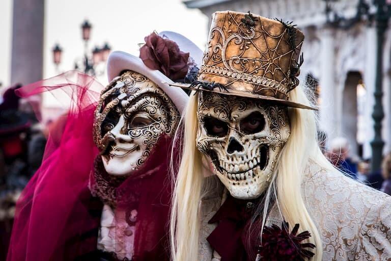 Máscaras venecianas en el Carnaval.